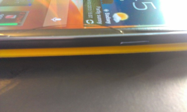 Samsung Galaxy S3 with a cracked screen - switched on